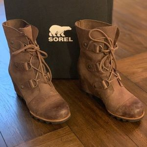 Sorel Joan of Arctic wedge boot